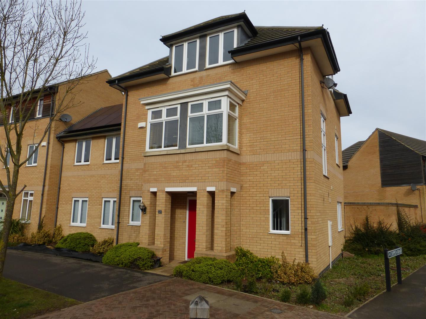 4 Bedroom Property For Sale In Four Chimneys Crescent Hampton Vale Peterborough Pe7 Regal